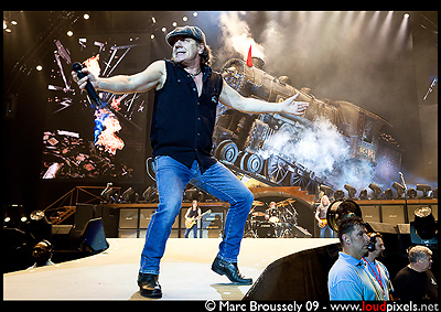 Brian Johnson of AC/DC at the O2 Arena, 16 April 2009
