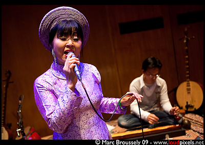 Huong Thanh at the Purcell Room, Southbank center - 30 May 2009