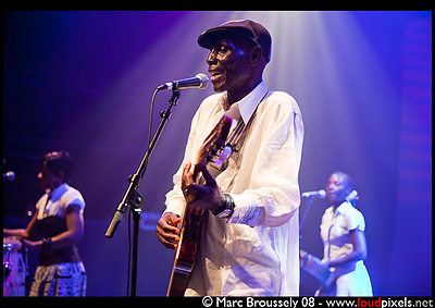 Oliver Mtukudzi at Queen Elizabeth Hall, 12 September 2009